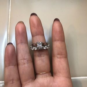 LEO princess diamond solitaire